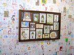 2006年7月29日から10月22日まで弘前市の吉井酒造煉瓦倉庫で開催された奈良美智+grafによる「A to Z」展の小屋の中に展示された奈良さんのドローイング。