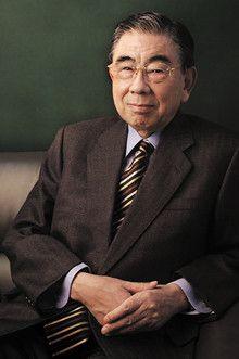 <strong>鈴木敏文</strong>●セブン&アイ・ホールディングス代表取締役会長兼CEO。1932年、長野県生まれ。中央大学経済学部卒業後、東京出版販売(現トーハン)入社。63年イトーヨーカ堂入社。73年セブン-イレブン・ジャパンを創設して日本一の小売業に育てる。2003年イトーヨーカ堂およびセブン-イレブン・ジャパン会長兼CEO就任。05年セブン&アイ・ホールディングスを設立し、現在に至る。