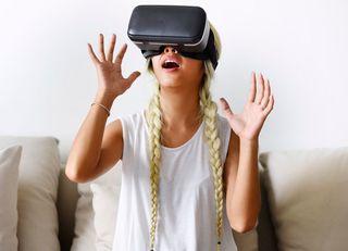 よそ見をダメ出しする「VR」英会話体験記