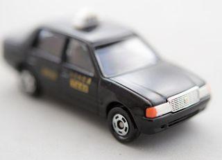 高齢ドライバー問題を解決、定額タクシー