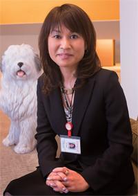 <strong>日本オラクル GSA営業統括本部 ディレクター 吉田富美香</strong>●名古屋市出身。南山大学卒。中堅IT系企業等を経て現職。コンサルティング営業、サポート、事業開発などを経験。