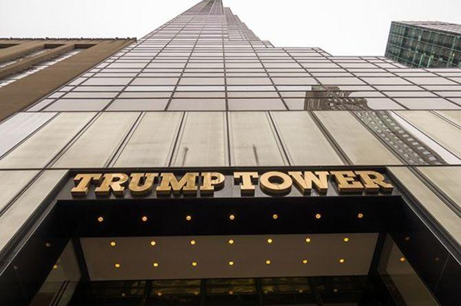 ニューヨーク、マンハッタン島の一等地にそびえ立つトランプタワー