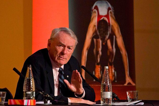 IOC委員のディック・パウンド氏が「開催可否の判断は5月下旬が期限」「1年延期も不可能ではない」との見解を示し、雲行きが怪しくなっています。