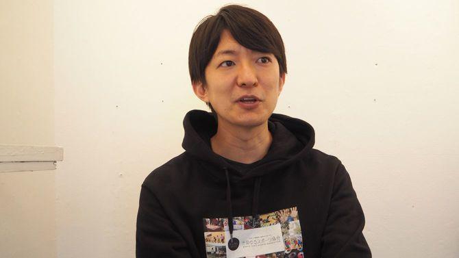 インタビューに応じる澤田さん