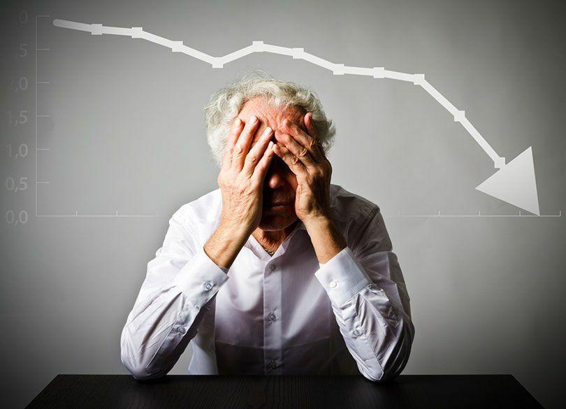 """60代継続雇用の薄給を嫌う人は老後破綻 """"空白の5年""""が人生100年時代の敵"""