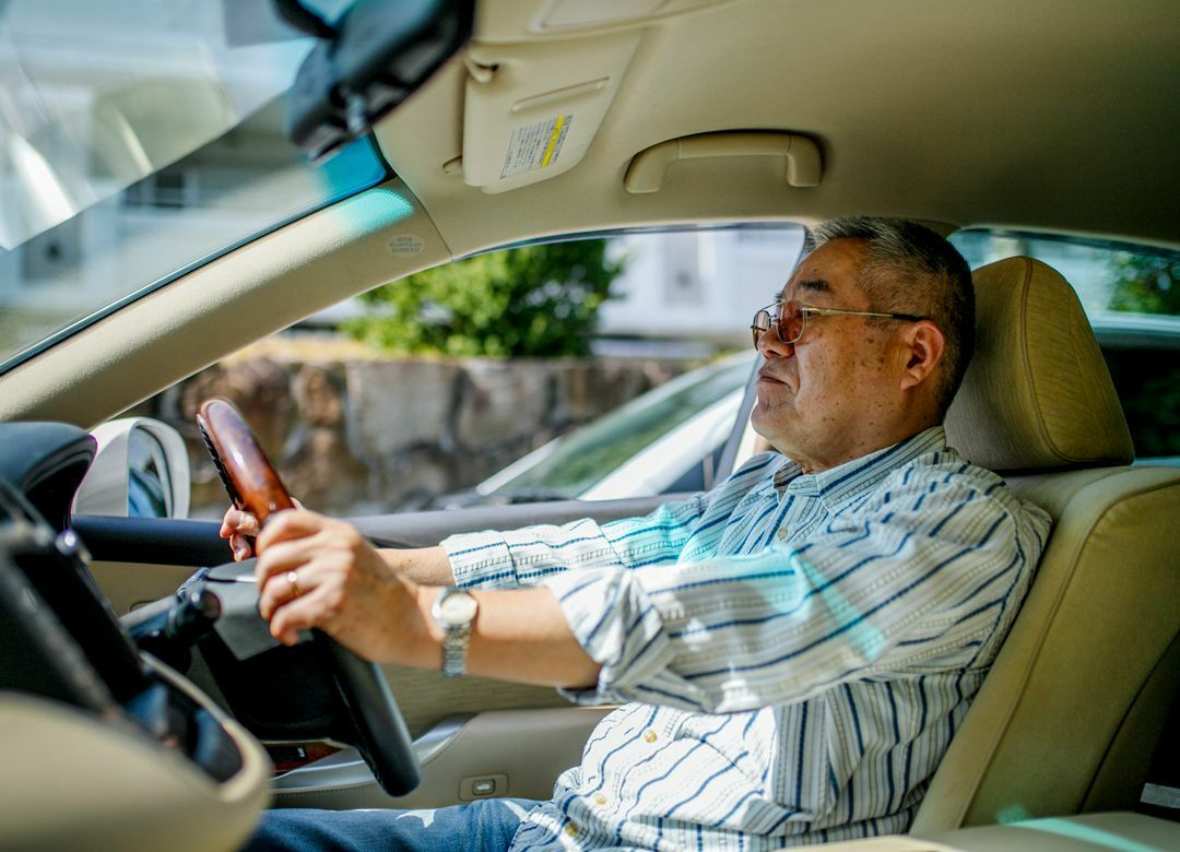 クルマで街を徘徊する老人がウヨウヨいる 高齢者の車免許の制度を変更せよ