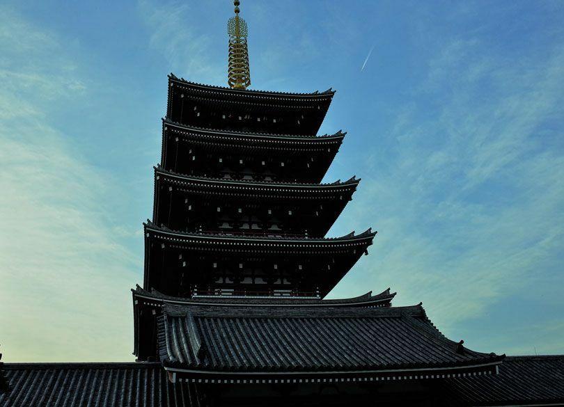 """浅草寺の瓦が""""アルミ合金""""である深い理由 浅草は最新技術にうるさい技術の町"""