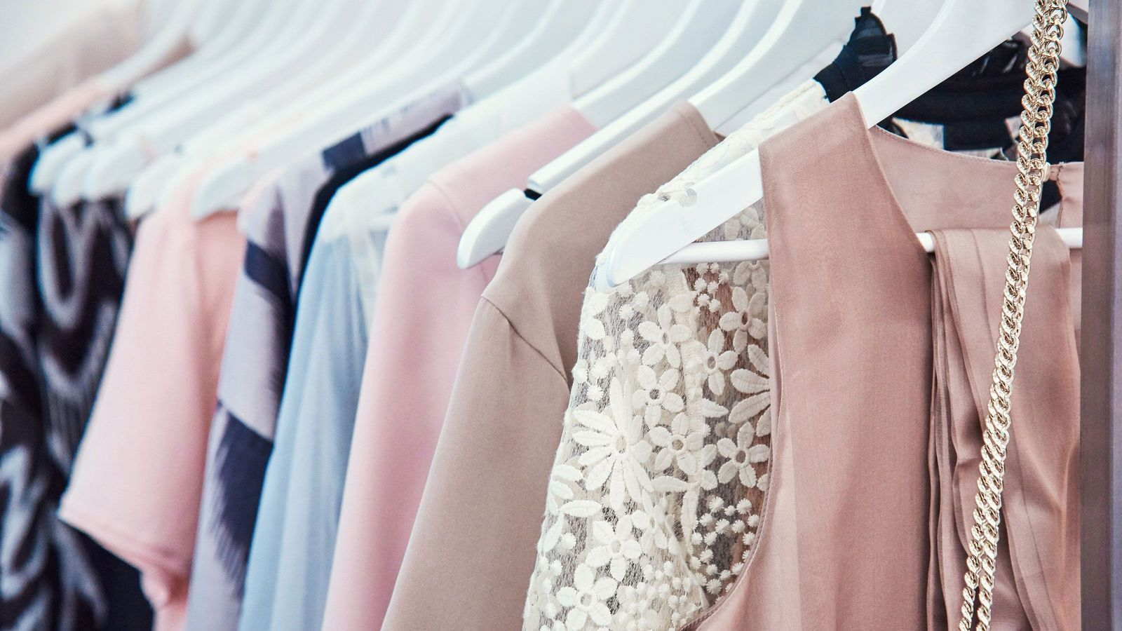月5800円借り放題「服のサブスク」が儲かるワケ