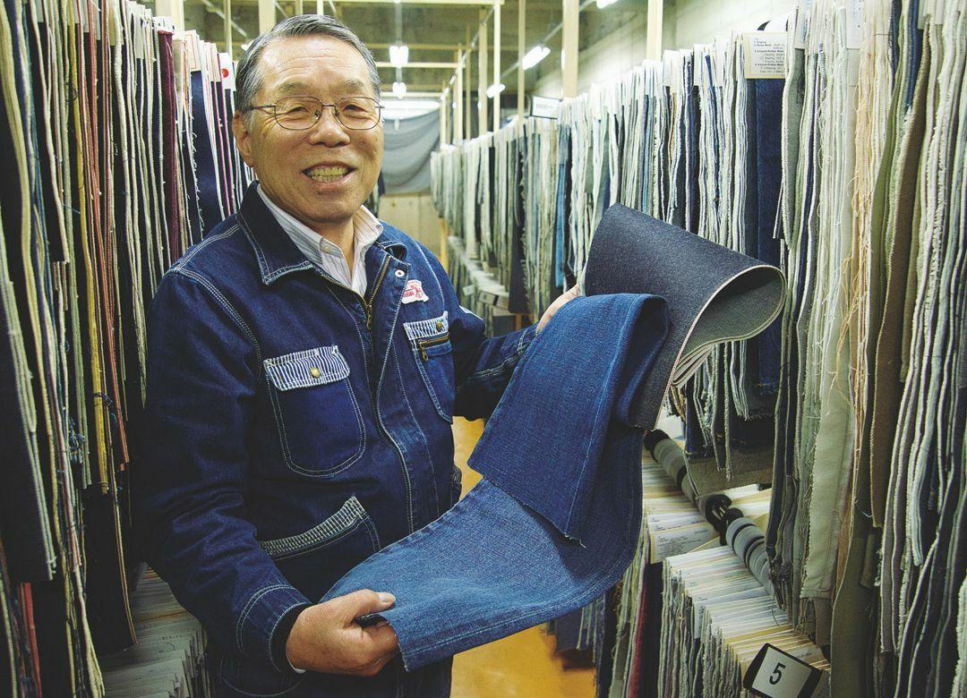 """ユニクロが選んだ「日本製デニム」の底力 最初に合繊を取り入れた""""カイハラ"""""""