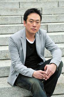 <strong>田崎健太</strong>●たざき・けんた 1968年、京都市生まれ。ノンフィクション作家。早稲田大学法学部卒業。週刊誌編集者を経て、フリーに。スポーツを中心に人物ノンフィクションを手がけ、雑誌、テレビ、ラジオで幅広く活躍する。著書に『楽天が巨人に勝つ日』などがある。