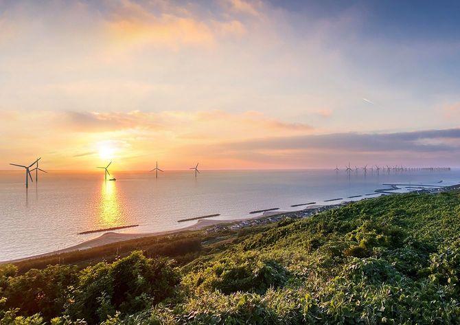 秋田県由利本荘市の洋上風力発電イメージ