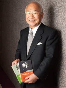 <strong>新日本石油会長 渡 文明</strong>●1936年、東京都生まれ。60年、慶應義塾大学卒業後、日本石油(現・新日本石油)入社。新潟製油所を経て、営業一筋に歩む。副社長だった99年、三菱石油との企業合併を経験。2000年、代表取締役社長就任、05年より現職。06年より経団連副会長も務めている。