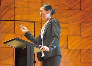 管理職になった途端、失速する女性の特徴