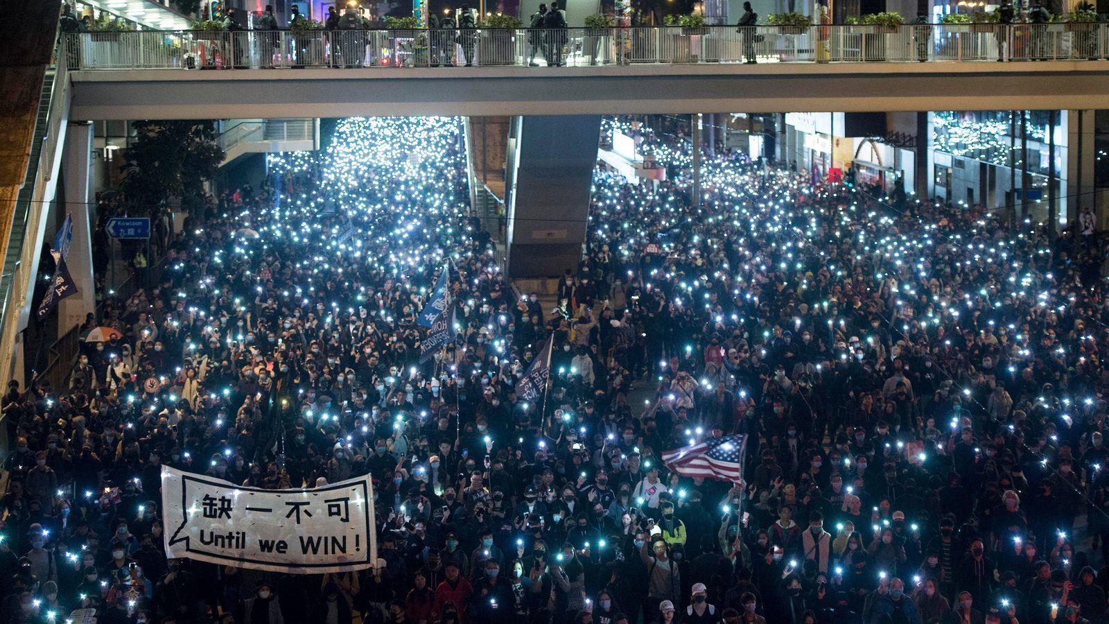 「日本が最も親中」と肩を落とす香港デモ抗議者 「日本に片思いをしているようです」