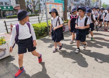 私立高校に行かれるとすごく困る親が多い 月1000円ネット授業動画で ...