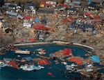 3月13日、宮城県気仙沼市の様子。世界三大漁場である三陸沖を代表する漁港で、水揚げ金額は約280億円(2008年)だった。(AP/AFLO=写真)