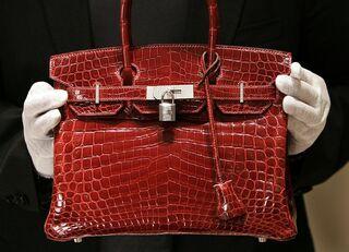 富裕層がエルメスのバッグを買う真の目的