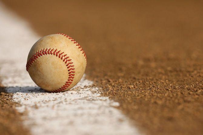 野球選手内野でもラインチョーク