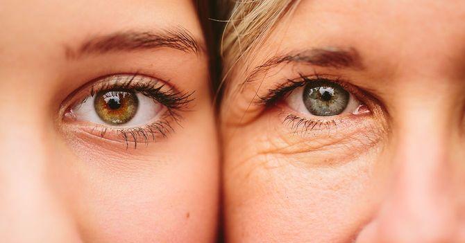 若い女性と年配の女性の肌