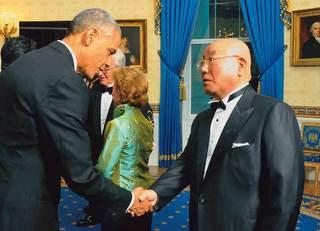 飯島勲「握手で相手を操る方法」