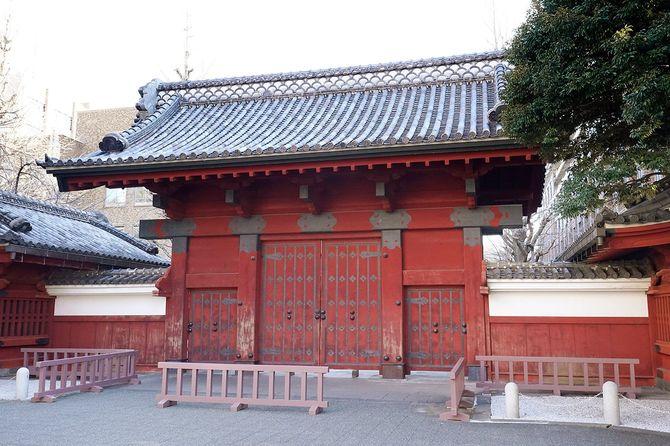 東京大学・本郷キャンパスの赤門=2021年2月25日、東京都文京区