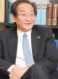 <strong>井上清成●いのうえ・きよなり</strong><br>1981年、東京大学法学部卒業。86年、弁護士登録(東京弁護士会所属)。89年、井上法律事務所開設。2004年、医療法務弁護士グループ代表。病院・診療所の顧問・代理人を務める。著書に『病院法務セミナーよくわかる医療訴訟』など。