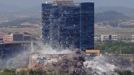 北朝鮮の「爆破」で韓国がいよいよ正念場を迎えるワケ 国際社会で立場を ...