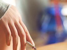 上司の「たばこ休憩」、許されるor許されない?