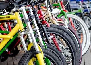 子供の自転車事故に備える保険は?