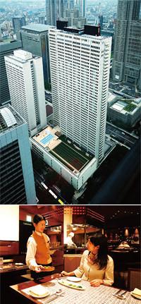 新宿の高層ビル街に屹立する京王プラザホテルは客室の稼働率85%をキープ。宿泊だけでなく餐飲部門も充実させて多様な顧客に対応する。写真の韓国料理「五穀亭」は韓国からの顧客に人気。