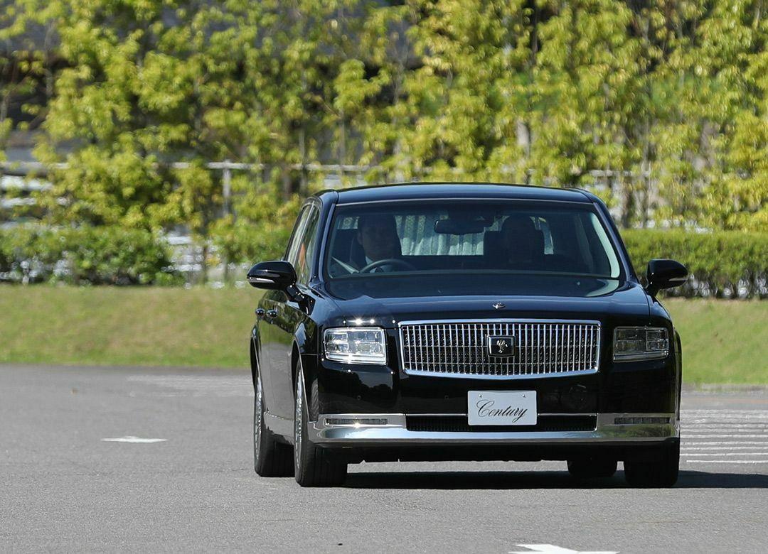 """なぜ天皇陛下は""""センチュリー""""に乗るのか 日本の「匠の技」を象徴するクルマ"""