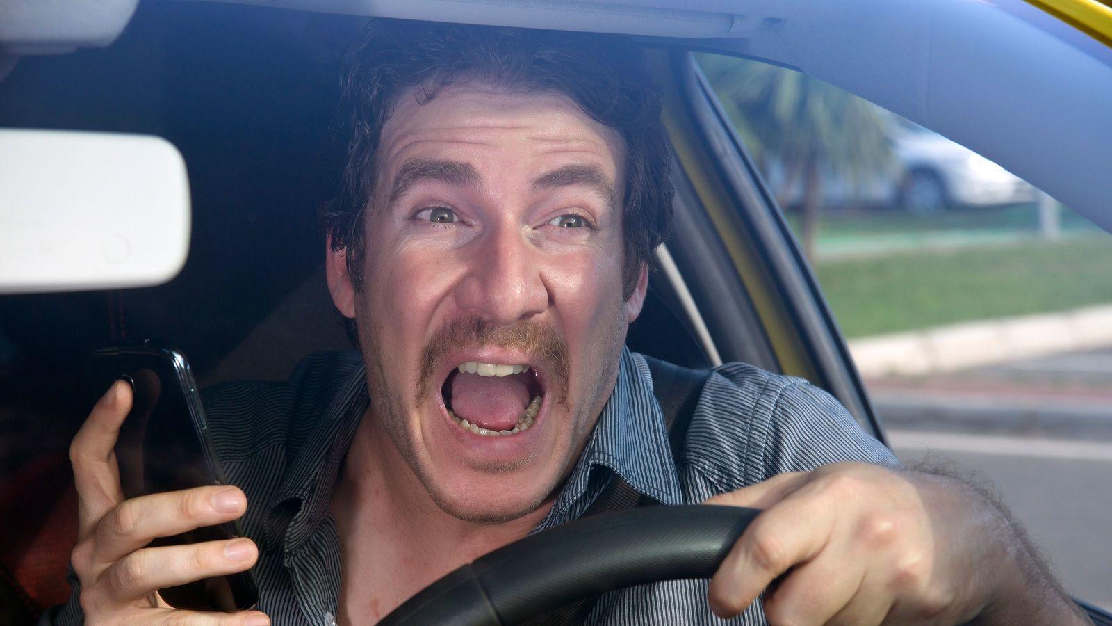 元トラック運転手が教える「あおり運転」をする人の4大特徴 「高級車に乗った凡人」には要注意