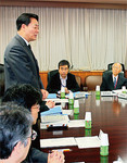 海江田経産相は「原子力はエネルギー政策の柱の一つ」と繰り返すが……。(PANA=写真)