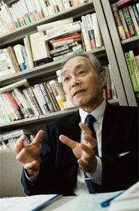<strong>松本健一</strong>●作家・評論家・麗澤大学教授。1946年、群馬県生まれ。東京大学経済学部卒業。95年『近代アジア 精神史の試み』でアジア太平洋賞、98年『日本の近代』で吉田茂賞、2005年『評伝 北一輝』で毎日出版文化賞、司馬遼太郎賞を受賞。ほか著書多数。