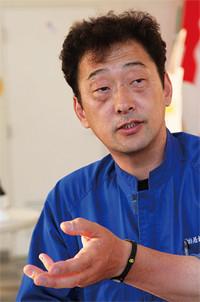 小幡 淳●営業統括。1964年生まれ。仙台市内のディーラーに勤務後、若松自動車商会入社。自動車の営業一筋30年。