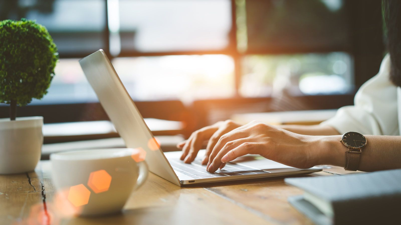 仕事のできる人は、「メールに即レス」をしない 夜に書いたメールはリスクが大きい