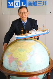 <strong>商船三井社長 芦田昭充</strong><br>1943年、島根県生まれ。京都大学教育学部卒業。サンフランシスコ駐在、欧州・大洋州部長、企画部長などを経て、98年、常務。2000年、専務。03年、副社長。04年より現職。