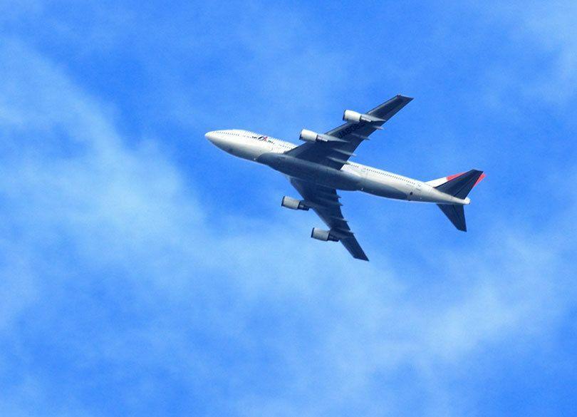 「行きの飛行機」で寝る人は、永遠に出世できない