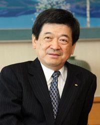 <strong>伊藤忠商事 小林栄三社長</strong><br>1949年、福井県生まれ。県立若狭高校卒。72年大阪大学基礎工学部卒業後、伊藤忠商事入社。香港、米国駐在をへて99年情報産業部門長、2000年執行役員、02年常務執行役員、03年常務取締役、04年4月専務、04年6月から現職。