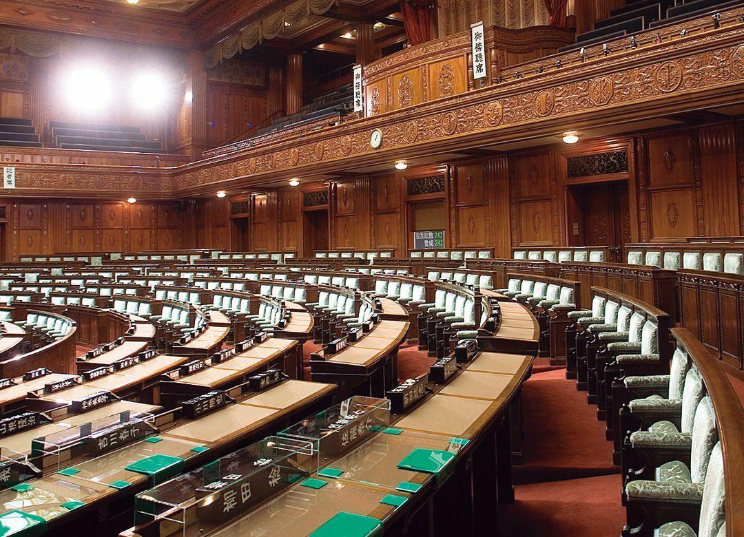 国会議員 早大卒が減り慶大卒増えた理由 「非世襲系」慶應出身議員が増加