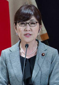 2017年2月4日、日本の稲田朋美防衛大臣(当時)は、東京の防衛省で行われた日米間の閣僚級会談の後、ジム・マティス国防長官との合流記者会見で発言