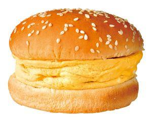 まだ正式な社員になる前に藤﨑さんが開発した新商品「手作り厚焼きたまごバーガー」