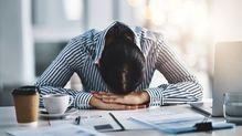 産業医が教える、ダメ出しされて自己肯定感が急落したときの「心の整え方」3ステップ