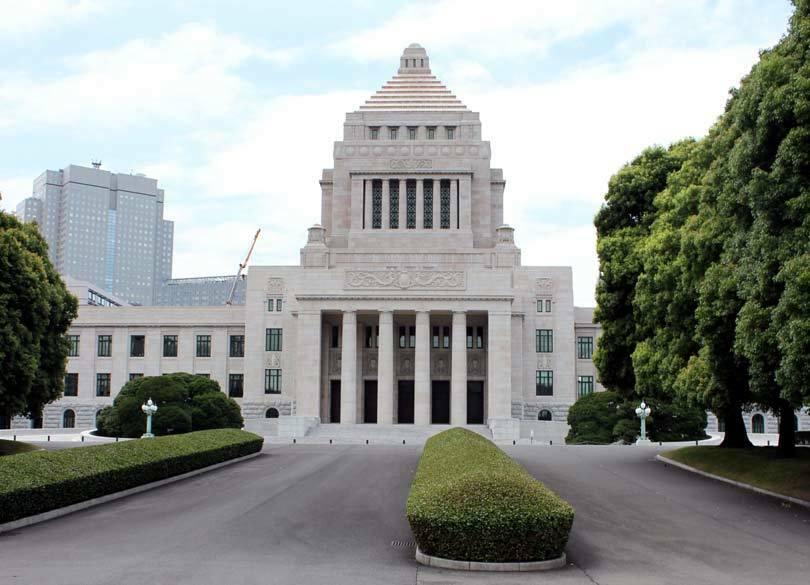 安倍首相が狙う「12月改憲解散」の現実味 それでも「前のめり」になる理由