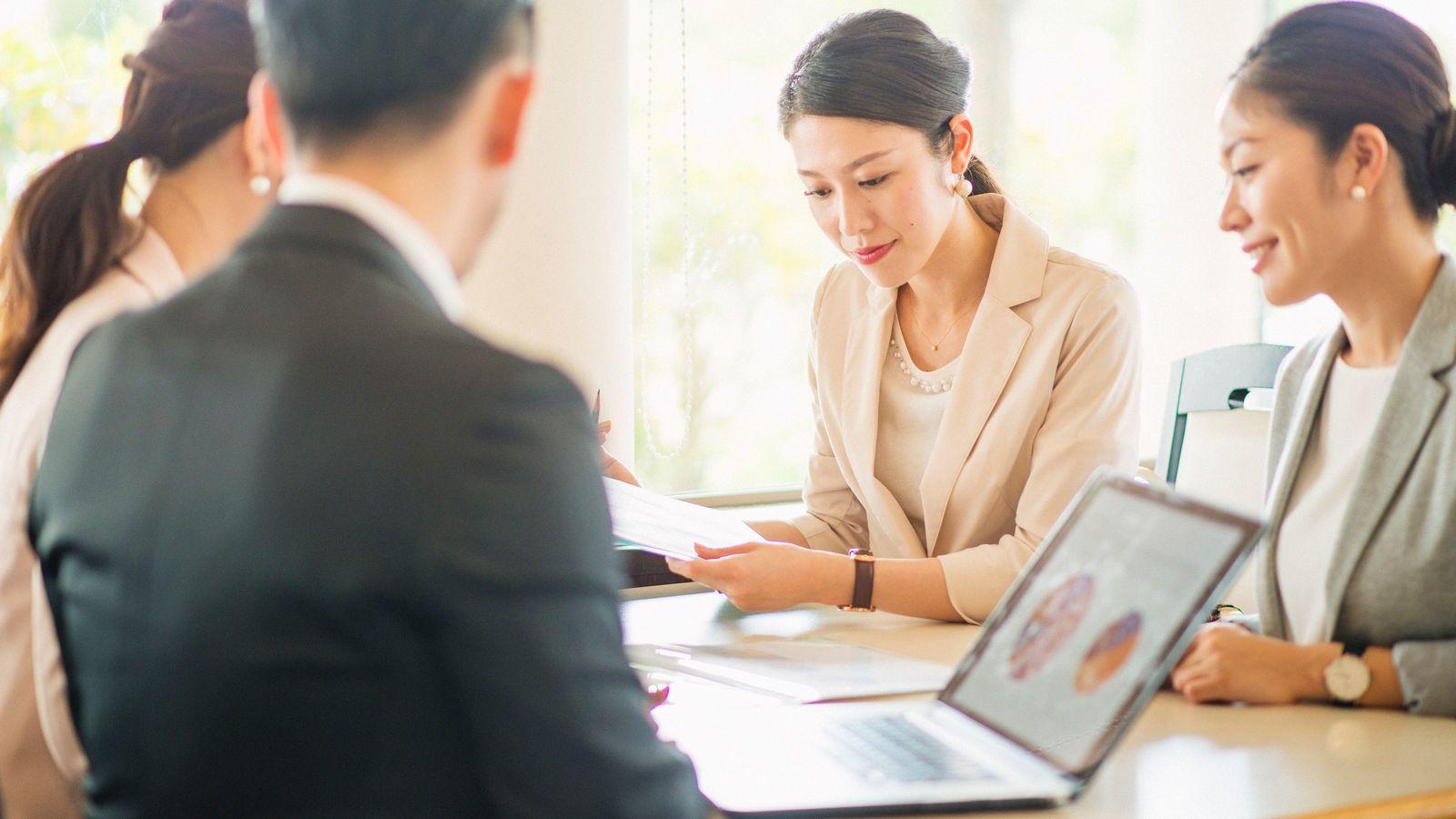 異性の多い職場で働いている人は離婚しやすい 離婚後の職場内再婚率は20%高い