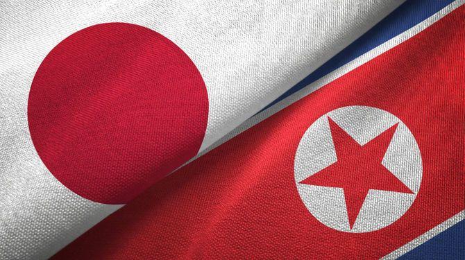 北朝鮮と日本の国旗