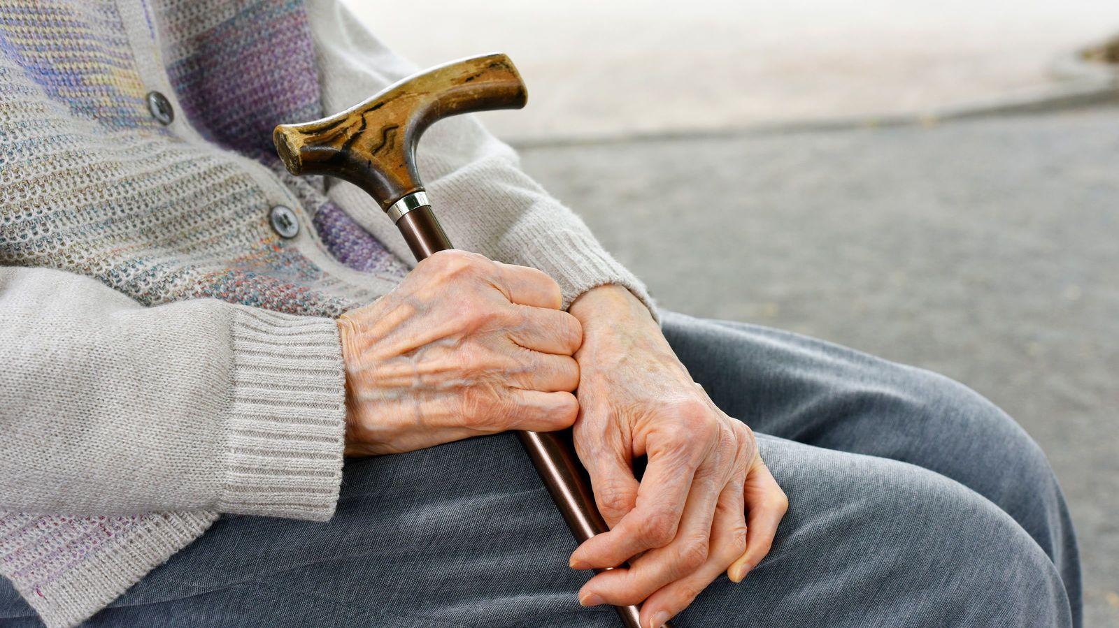 家なし老人を生んだ「だれも得しない法律」の闇 入居者の死後も契約は続いていく