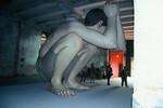 ロン・ミュエクによる巨大な少年像