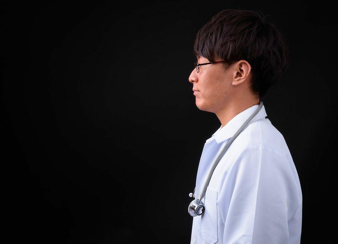 """乳腺外科医は女性患者の胸を舐めたのか わいせつ控訴で注目""""麻酔後幻覚"""""""