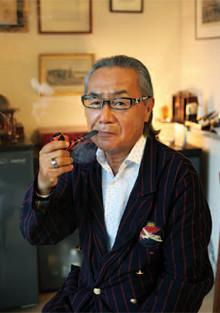 しまじ・かつひこ●1941年、東京都生まれ。青山学院大学卒業後、集英社に入社。「週刊プレイボーイ」「PLAY BOY」「Bart」編集長、広告担当取締役、編集部担当取締役を経て、集英社インターナショナル代表取締役を10年勤め、2008年退任。著書に『甘い生活』『えこひいきされる技術』などがある。